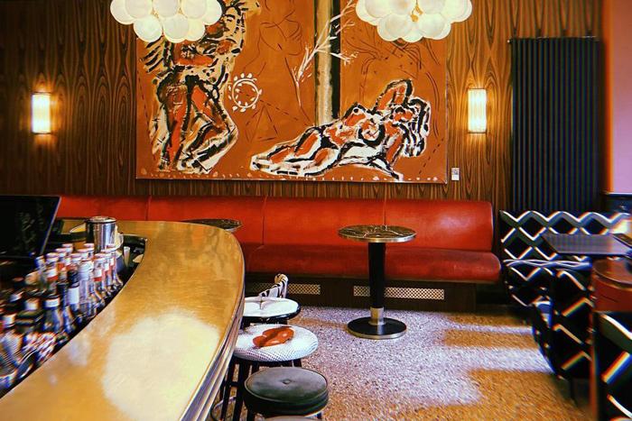 Cafe Roma Bar